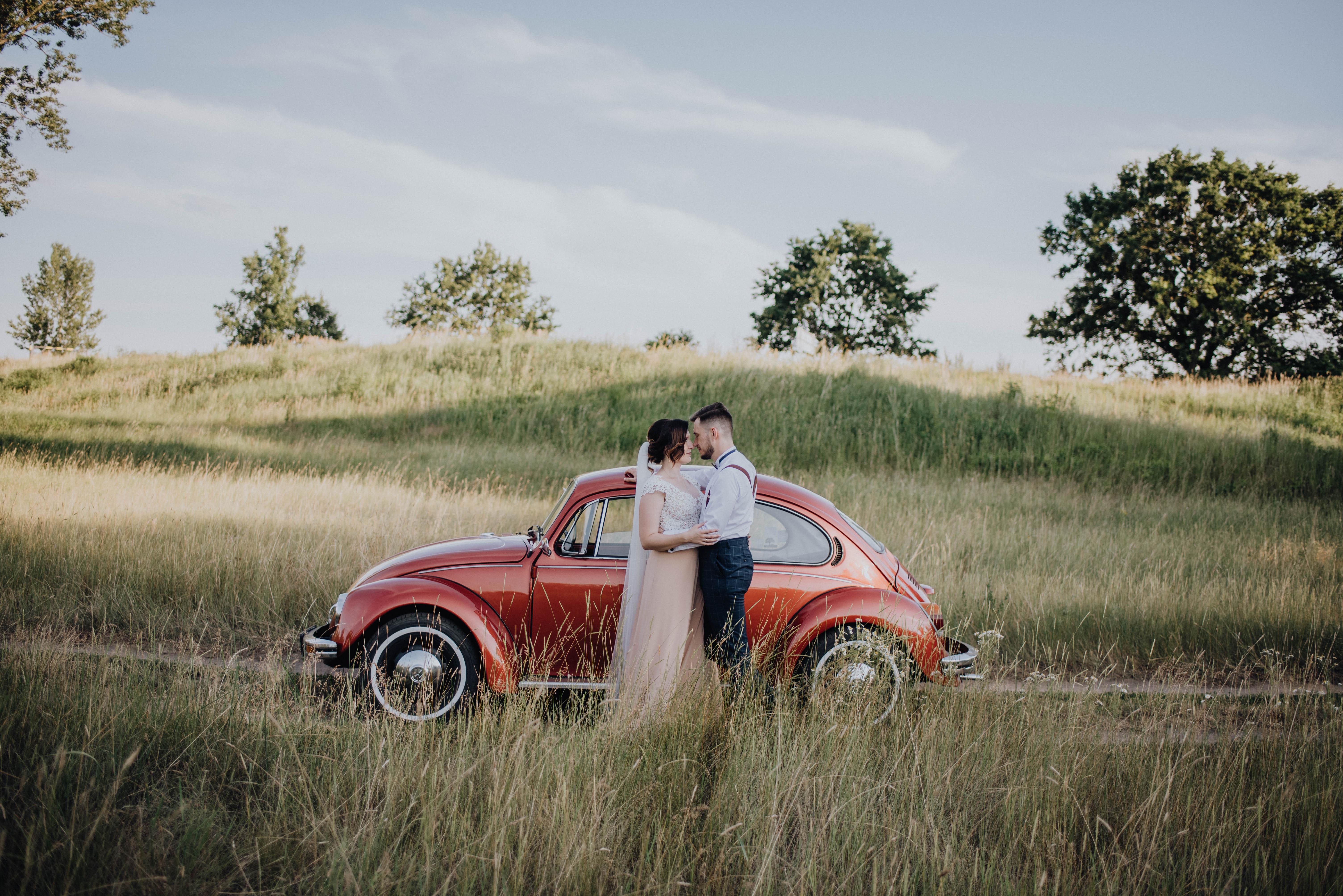 Kameralny ślub w rustykalnym stylu
